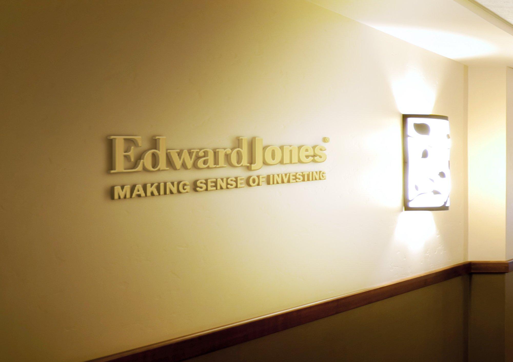 Edward-Jones-Graphic-Design-Thomasville